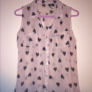 Sleeveless sheer pink blouse w black hearts